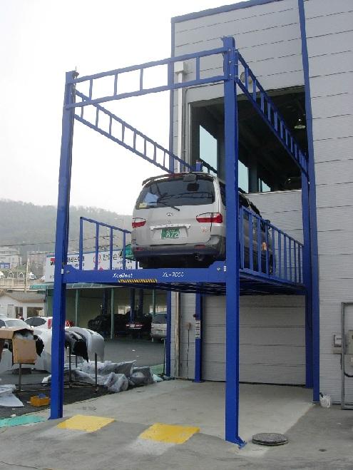 Cầu nâng 4 trụ lên tầng